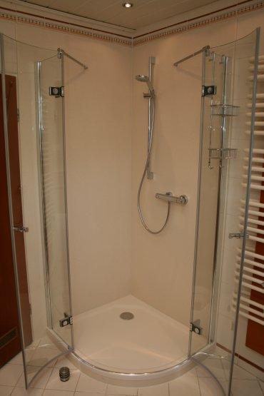 Fugenlose Dusche Verkleidung : Die fugenlose Duschwandverkleidung